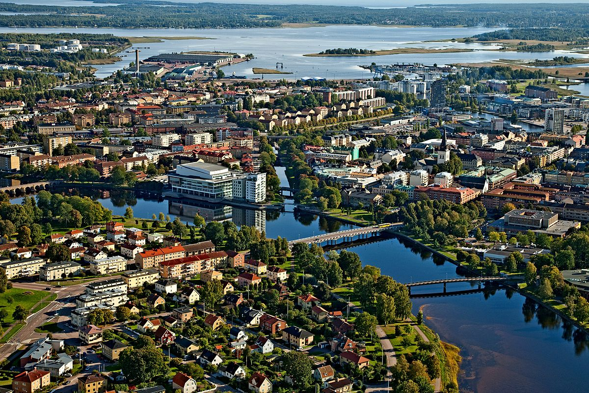 Areal_photo_of_Karlstad.jpg